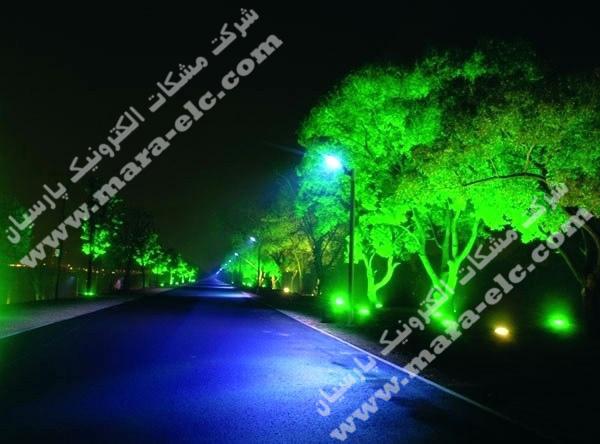 نور پردازی درخت با پرژکتور تمام رنگ